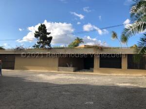 Casa En Ventaen Caracas, Alto Hatillo, Venezuela, VE RAH: 21-23185