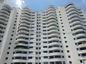 Apartamento En Ventaen Valencia, Valles De Camoruco, Venezuela, VE RAH: 21-23651