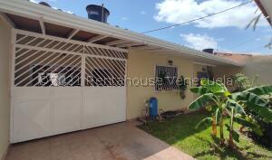 Casa En Ventaen Maracay, La Mulera, Venezuela, VE RAH: 21-23194