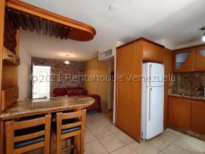 Apartamento En Alquileren Maracaibo, Avenida Milagro Norte, Venezuela, VE RAH: 21-23241