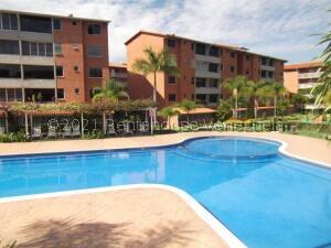 Apartamento En Ventaen Guatire, Sector San Pedro, Venezuela, VE RAH: 21-23260