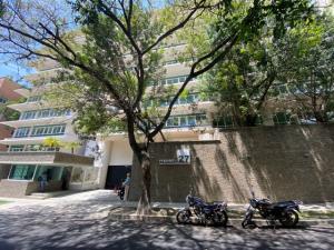 Apartamento En Ventaen Caracas, Campo Alegre, Venezuela, VE RAH: 21-23432