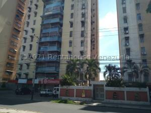 Apartamento En Ventaen Maracay, Urbanizacion El Centro, Venezuela, VE RAH: 21-23283