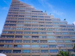 Apartamento En Ventaen Catia La Mar, Playa Grande, Venezuela, VE RAH: 21-23261