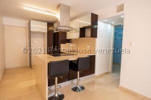 Apartamento En Ventaen Caracas, El Encantado, Venezuela, VE RAH: 21-23262