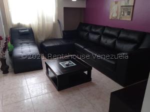 Apartamento En Ventaen Maracaibo, Valle Claro, Venezuela, VE RAH: 21-23292