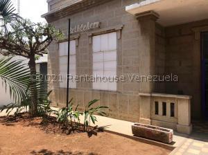 Casa En Ventaen Maracaibo, La Lago, Venezuela, VE RAH: 21-23296
