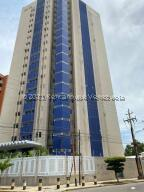 Apartamento En Ventaen Maracaibo, Avenida Baralt, Venezuela, VE RAH: 21-23330