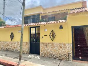 Galpon - Deposito En Alquileren Caracas, Los Chorros, Venezuela, VE RAH: 21-23348
