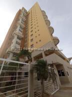 Apartamento En Alquileren Maracaibo, Avenida Bella Vista, Venezuela, VE RAH: 21-23355