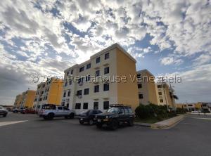 Apartamento En Ventaen Turmero, Conjunto Residencial Las Carolinas Ii, Venezuela, VE RAH: 21-23360