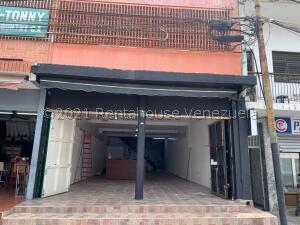 Local Comercial En Alquileren Caracas, Baruta, Venezuela, VE RAH: 21-23384