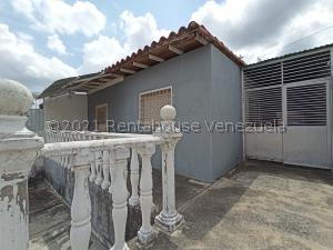Casa En Ventaen Barquisimeto, Parroquia Tamaca, Venezuela, VE RAH: 21-23571