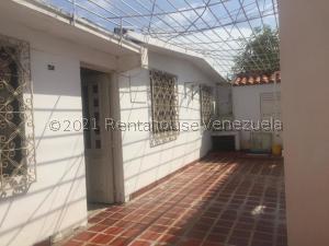 Casa En Ventaen Puerto La Cruz, El Paraiso, Venezuela, VE RAH: 21-23368