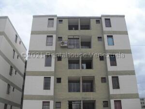 Apartamento En Ventaen Charallave, Las Juajuitas, Venezuela, VE RAH: 21-23372