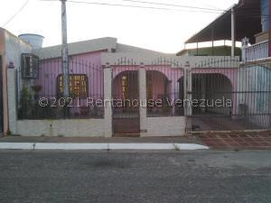 Casa En Ventaen Ciudad Bolivar, Los Proceres, Venezuela, VE RAH: 21-24082