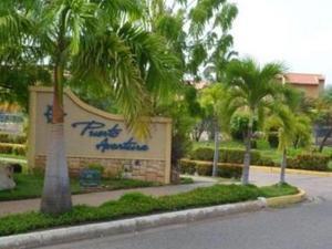 Apartamento En Ventaen Lecheria, Complejo Turistico El Morro, Venezuela, VE RAH: 21-23421