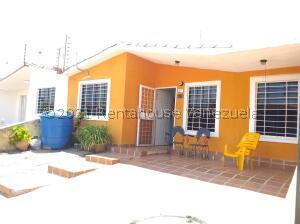 Casa En Ventaen Barquisimeto, Hacienda Yucatan, Venezuela, VE RAH: 21-23422