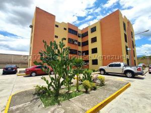 Apartamento En Ventaen Intercomunal Maracay-Turmero, Intercomunal Turmero Maracay, Venezuela, VE RAH: 21-23518