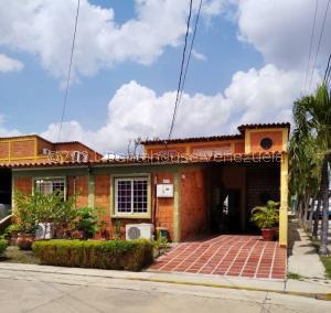 Casa En Ventaen Cabudare, Parroquia José Gregorio, Venezuela, VE RAH: 21-23428