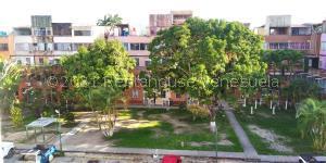 Apartamento En Ventaen Cabudare, Almarriera, Venezuela, VE RAH: 21-24253