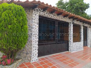 Casa En Ventaen Turmero, El Nispero, Venezuela, VE RAH: 21-23467