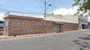 Local Comercial En Ventaen Maracay, Avenida Los Cedros, Venezuela, VE RAH: 21-23473