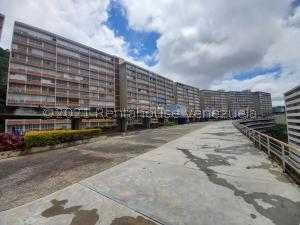 Apartamento En Ventaen Caracas, El Encantado, Venezuela, VE RAH: 21-23553