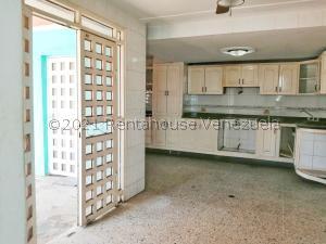 Casa En Ventaen Maracaibo, Lago Azul, Venezuela, VE RAH: 21-23557