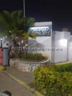 Casa En Ventaen Lecheria, Complejo Turistico El Morro, Venezuela, VE RAH: 21-23665