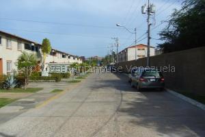Apartamento En Alquileren Margarita, Porlamar, Venezuela, VE RAH: 21-23663