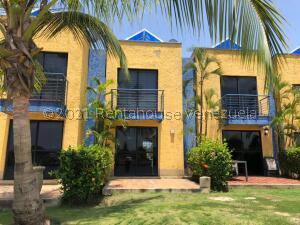 Townhouse En Ventaen Higuerote, Puerto Encantado, Venezuela, VE RAH: 21-24050