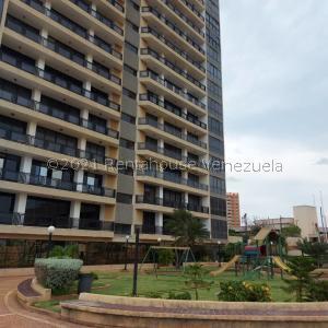 Apartamento En Ventaen Maracaibo, Avenida El Milagro, Venezuela, VE RAH: 21-23635