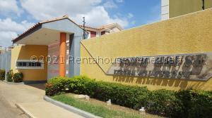 Townhouse En Ventaen Coro, Sector Chimpire, Venezuela, VE RAH: 21-23755