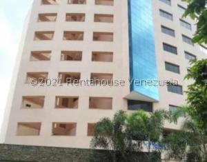 Apartamento En Ventaen Valencia, La Trigaleña, Venezuela, VE RAH: 21-23689
