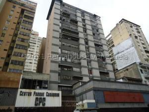 Apartamento En Ventaen Caracas, Parroquia La Candelaria, Venezuela, VE RAH: 21-23778