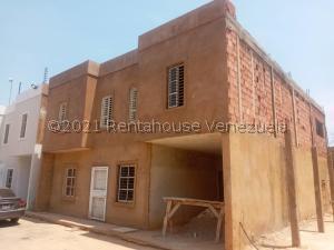 Townhouse En Ventaen Maracaibo, Avenida Milagro Norte, Venezuela, VE RAH: 21-23722
