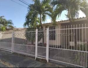 Casa En Ventaen San Joaquin, La Pradera, Venezuela, VE RAH: 21-24122
