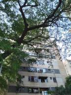 Apartamento En Ventaen Guarenas, Menca De Leoni, Venezuela, VE RAH: 21-23725
