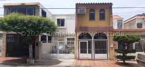 Casa En Ventaen Maracaibo, Lago Azul, Venezuela, VE RAH: 21-23792