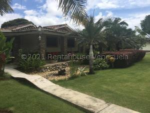 Casa En Ventaen Valencia, Safari Country Club, Venezuela, VE RAH: 21-23808