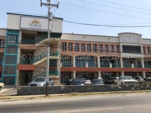 Oficina En Alquileren Punto Fijo, Santa Irene, Venezuela, VE RAH: 21-23811