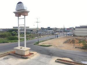 Local Comercial En Alquileren Punto Fijo, Santa Irene, Venezuela, VE RAH: 21-23814