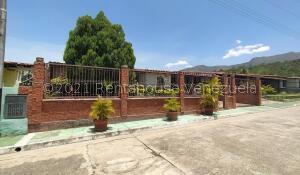 Casa En Ventaen Municipio San Diego, La Cumaca, Venezuela, VE RAH: 21-23837