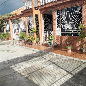 Casa En Ventaen Valencia, Flor Amarillo, Venezuela, VE RAH: 21-23879