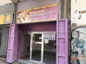 Local Comercial En Ventaen Caracas, La Candelaria, Venezuela, VE RAH: 21-23882