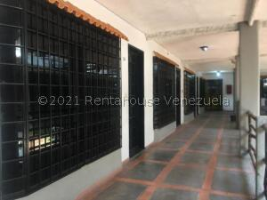 Local Comercial En Ventaen Punto Fijo, Puerta Maraven, Venezuela, VE RAH: 21-23883