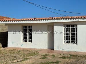 Casa En Ventaen Punto Fijo, Puerta Maraven, Venezuela, VE RAH: 21-23894