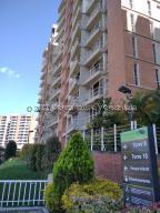 Apartamento En Ventaen Caracas, El Encantado, Venezuela, VE RAH: 21-24177