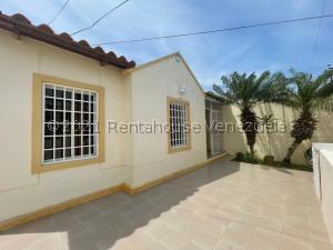 Casa En Ventaen Punto Fijo, Puerta Maraven, Venezuela, VE RAH: 21-23910
